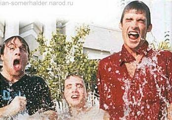 http://ian-somerhalder.narod.ru/pic/starmag/original/349x245-29kb.jpg