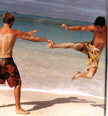 http://ian-somerhalder.narod.ru/pic/ym/original/ym_swimsuit1.jpg